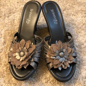 💛3 for $15 shoes💛 St. John's Bay sandals size 6
